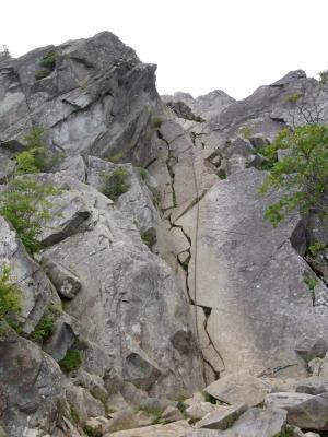 15 鳳岩(おおとりいわ)